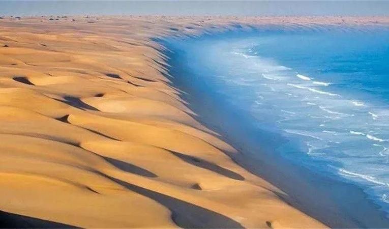 塔克拉玛干沙漠竟发洪水…300平方公里成汪洋