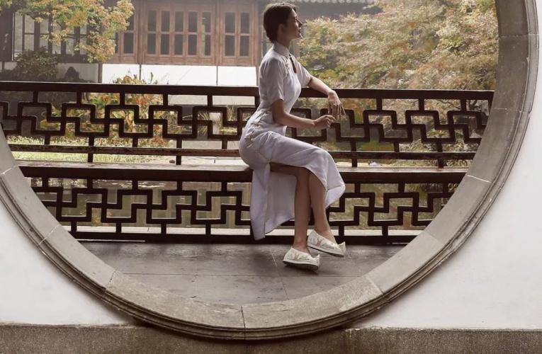"""25岁俄罗斯""""第一美女""""征中国男友走红,100w网友心动:已经结婚了?"""