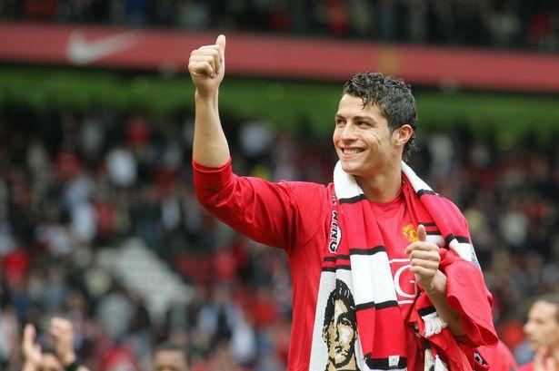官宣!36岁C罗重返曼联 年薪2500万镑签约两年