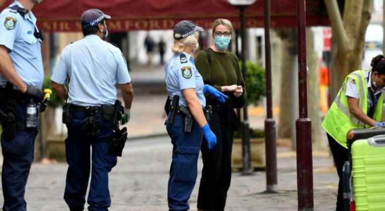 澳洲暴增2076例!悉尼女子带娃跑毒致23人隔离