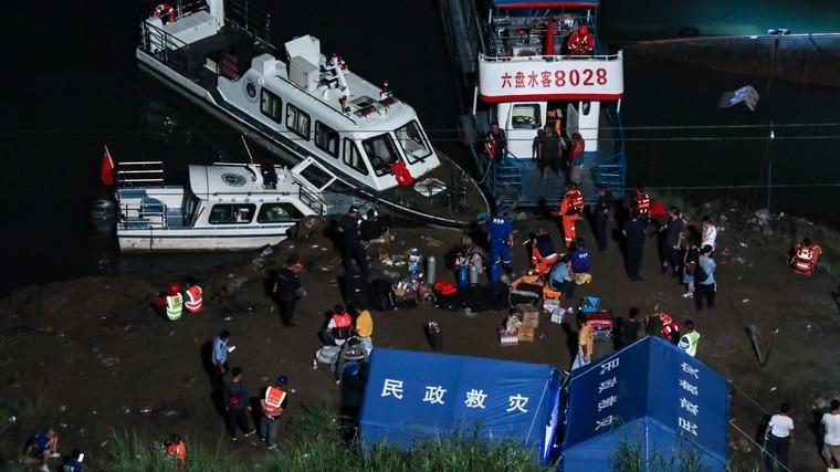 惨剧!中国贵州客船翻覆 已知9死6失踪 驾驶身亡…