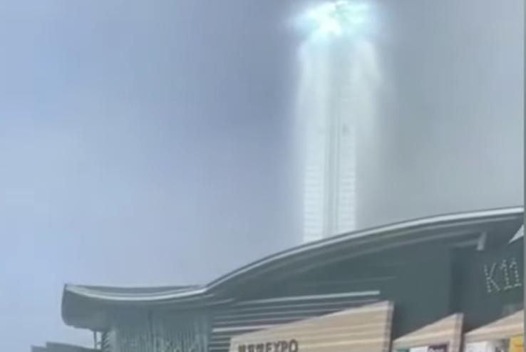 沈阳天空出现巨型光柱,气象专家:真实天象