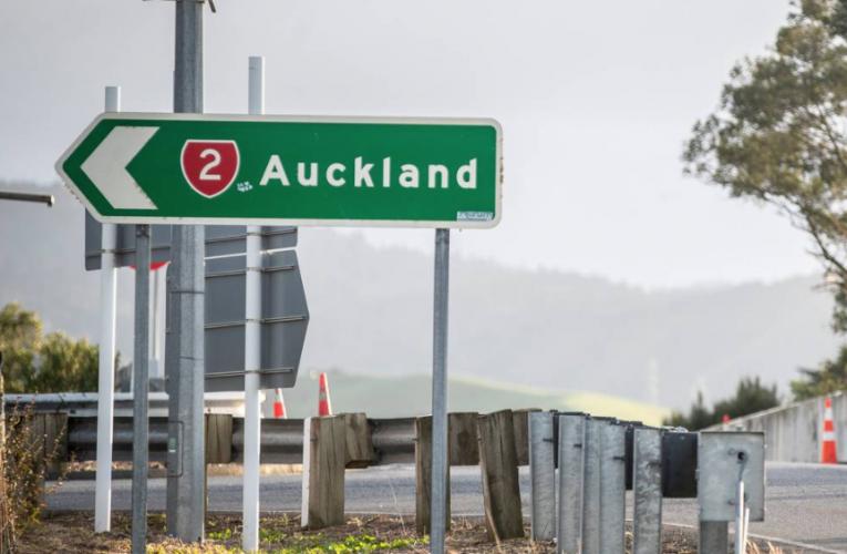 新西兰 Covid 19 Delta 爆发:奥克兰夫妇利用基本工人身份飞往瓦纳卡度假屋