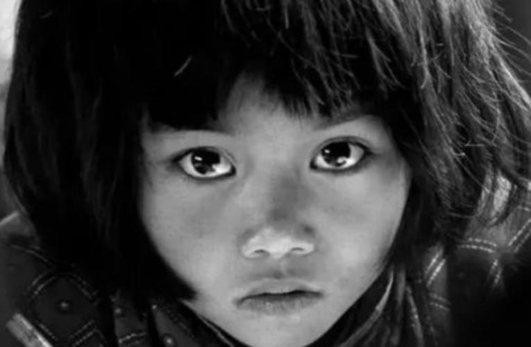 """30年前她因为一双""""大眼睛""""震撼全国,现在怎样了?"""